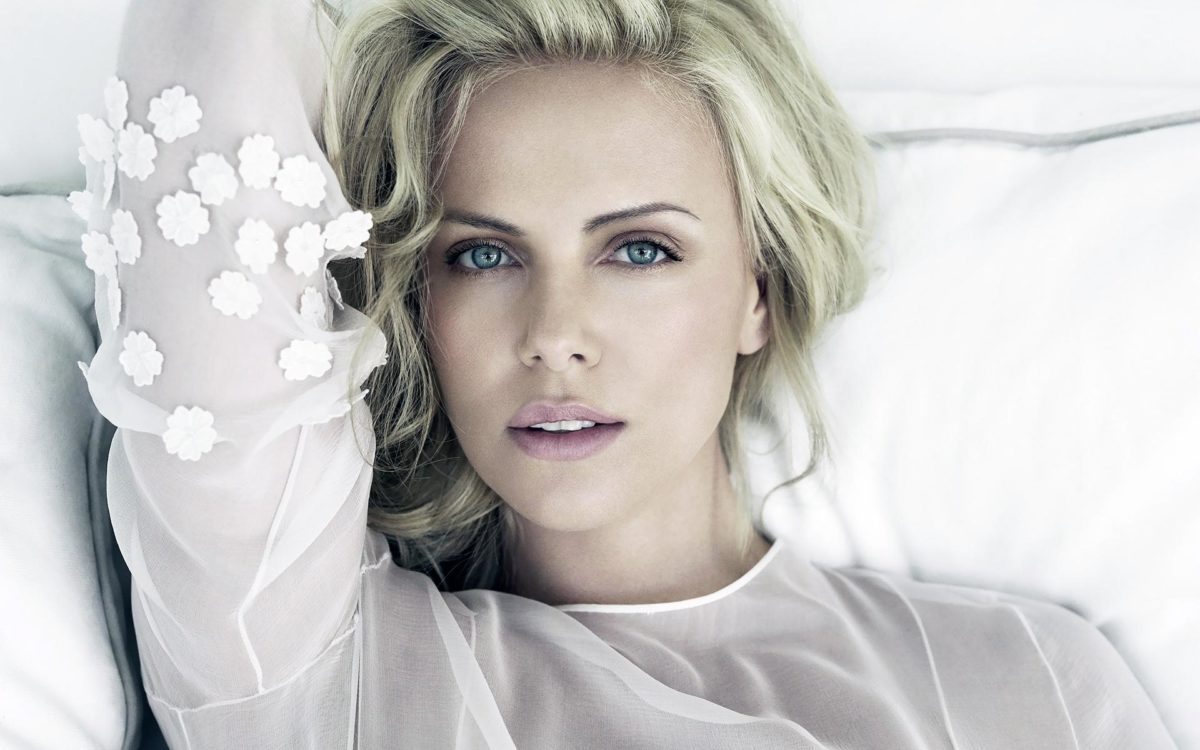 charlize-theron-images-1200x750.jpeg